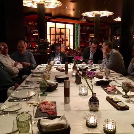 Carlton Restaurants & Bar: photo0.jpg