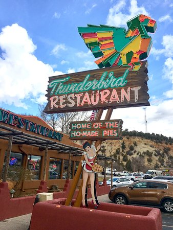 Mount Carmel, UT: Neon sign