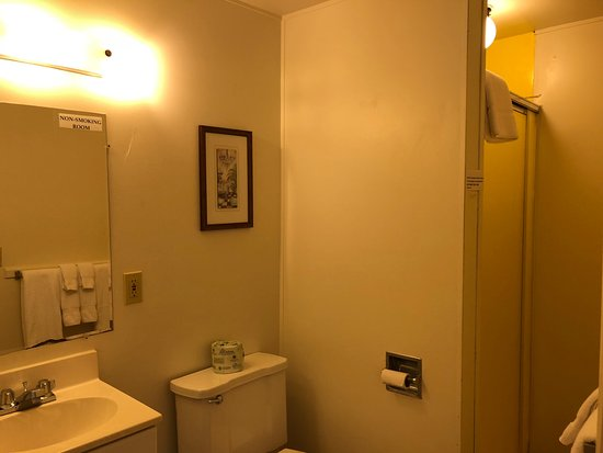 Cloverdale, Oregón: Queen Room Bathroom