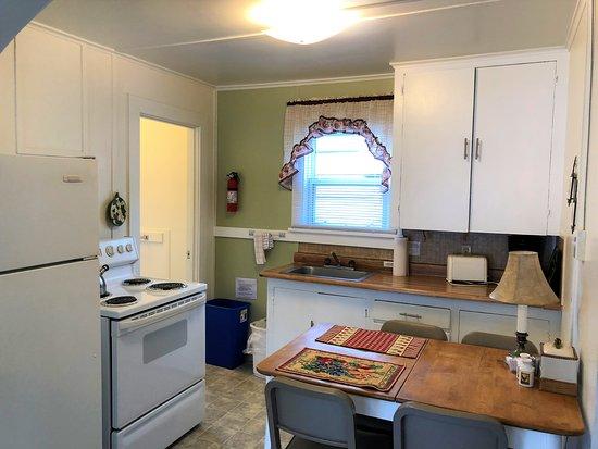 Cloverdale, Oregón: Family Suite Kitchen