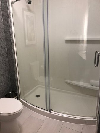 Towneplace Suites Boston Logan Airport Chelsea Bathroom Rm 222