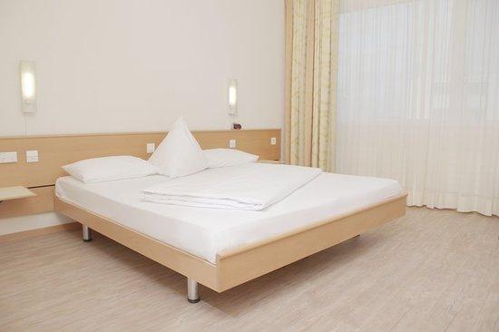 Ittigen, سويسرا: Guest room