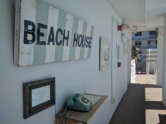 Sense Beach House: Zona terraza, pileta