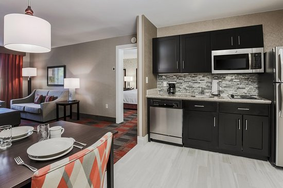 Homewood Suites by Hilton Melville - NY Hotel: Suite