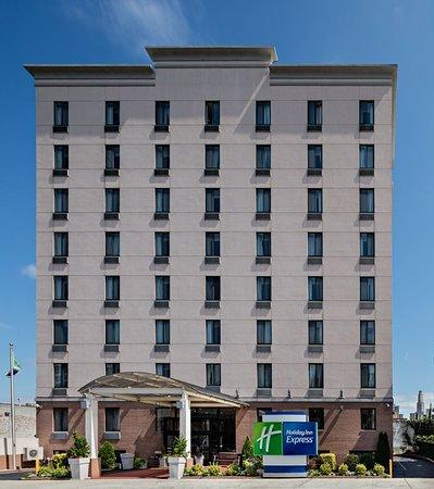 Holiday Inn Express Brooklyn Hotel