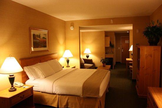 Warrenton, VA: Suite