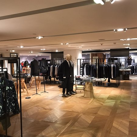 Lane Crawford Canton Road features designer collections across Womenswear, Menswear, Shoes and Accessories, Beauty, Fine Jewellery and Home and Lifestyle.