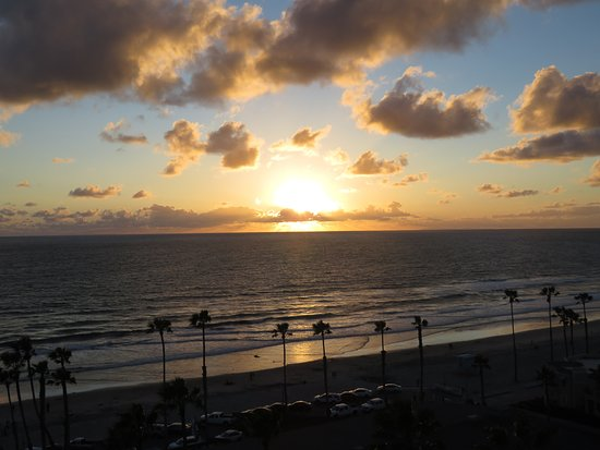 Wyndham Oceanside Pier Resort: The beach from the Sky Lounge