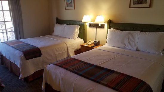 Inn on the Alameda: main room