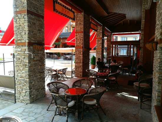 Razlog, Bulgaria: Snooker Bar & Coffee Pirin Golf