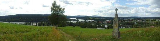 Pohled na Frymburk a Lipenskou nádrž