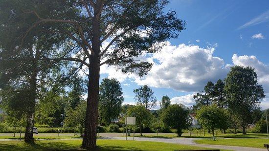 Prastmon, Szwecja: Hola folkhögskola