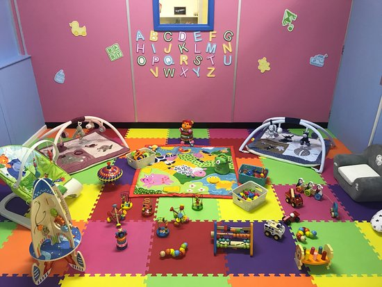 Camberley, UK: Baby sensory room suitable for pre-walkers