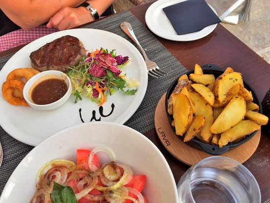 Orasac, Croatie : Main course and side dishes