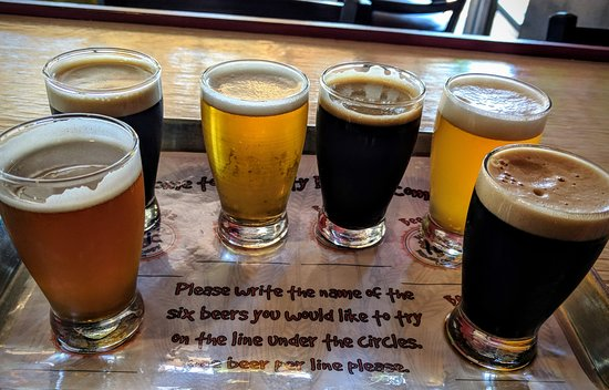 Bugnutty Brewing Company: Nice beer selection