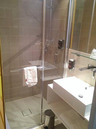 Separate Toilette. Ein klarer Pluspunkt - Bild von ibis Styles ...