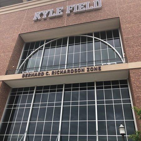 Kyle Field: photo0.jpg