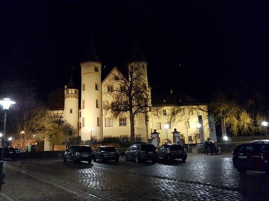 Lohrer Schloss: 20171125_211457_large.jpg