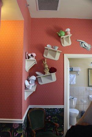 Arlington Hotel: Lewis Carroll suite