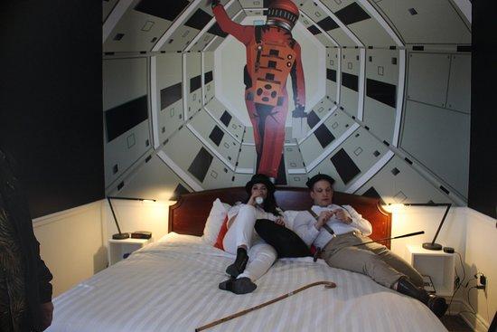 Arlington Hotel: Stanley Kubrick room with actors