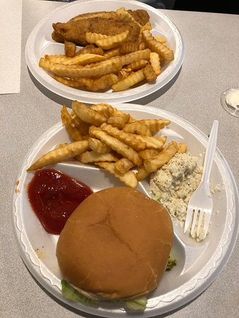 Union, SC: Cheeseburger and chicken tender platters