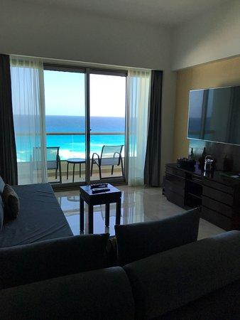 Live Aqua Beach Resort Cancun: Tierra Suite Living Room