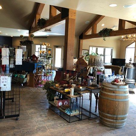 Simon Creek Vineyard & Winery : photo1.jpg