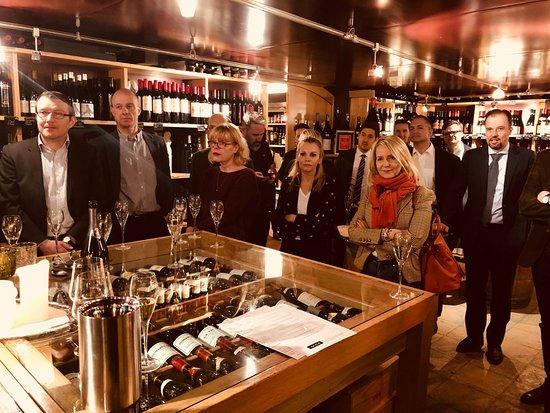 Carlton Restaurants & Bar: Introduction...!!!