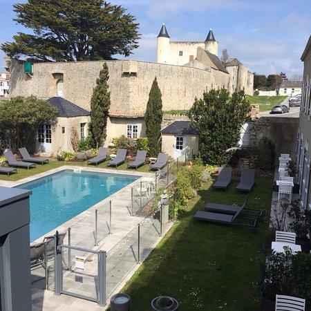 Vue piscine château