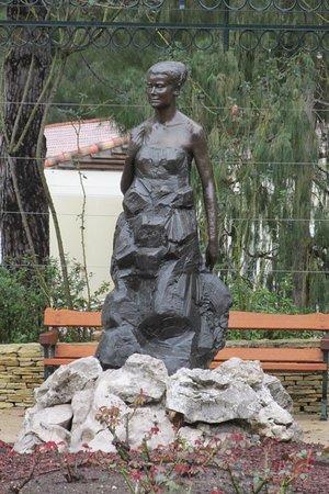 Princess Grace Botanical Garden : Princess Grace overlooking her gardens