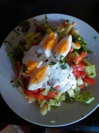 Brač, Kroatien: Ljetna salata