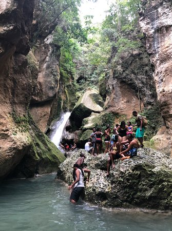 Eagle Tours & Adventures: Bassin Bleu - be sure to wear your swimsuit!