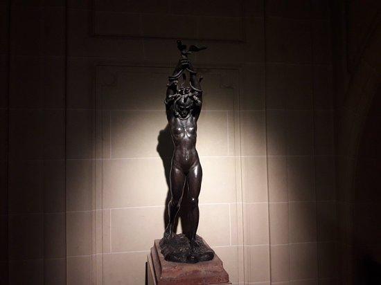 Museo Nacional De Arte Decorativo: Entrada del museo y obras