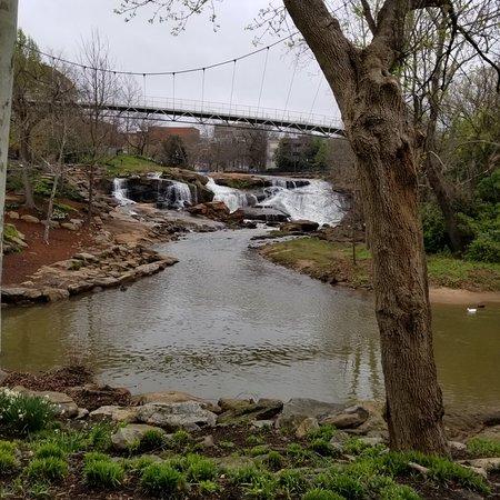حديقة فولس بارك أون ذا ريدي: Photos from Falls Park on the Reedy