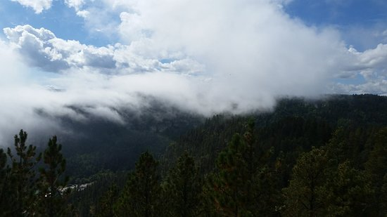 Savoy, Dakota Południowa: View from the top of 76 Trail across from Spearfish Canyon Lodge
