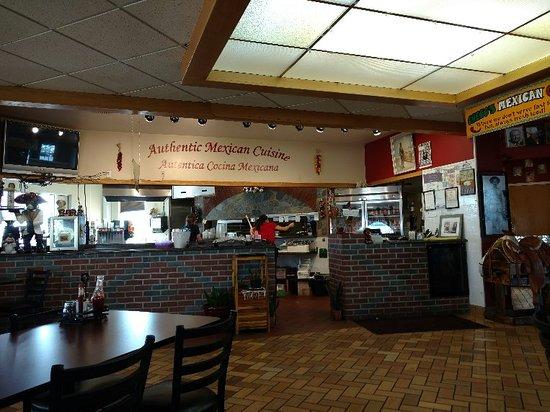 Othello, WA: Torta (extra onions) carne asada and interior photos.