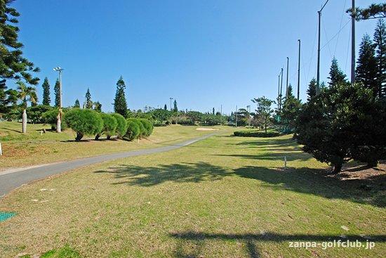Yomitan-son, Japan: ゴルフコース