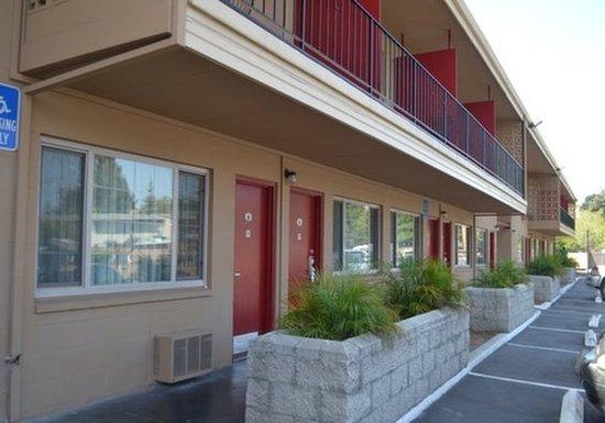 Oceana Inn Santa Cruz: Exterior