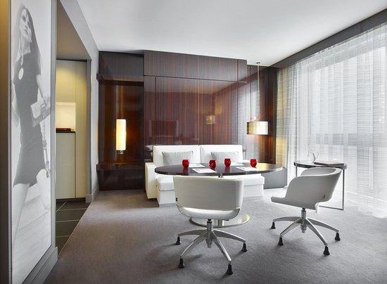 le meridien etoile 187 2 9 6 updated 2018 prices. Black Bedroom Furniture Sets. Home Design Ideas