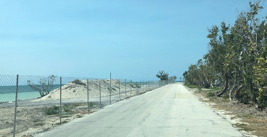 Bahia Honda State Park and Beach: Oceanside closed - Fenced off completely