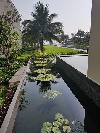Pullman Danang Beach Resort: 20180325_082151_large.jpg
