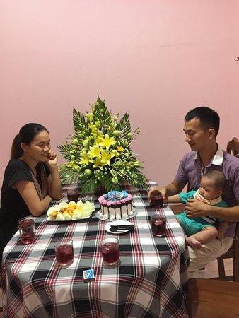 Son La, Vietnam: Sinh nhật gấu mẹ