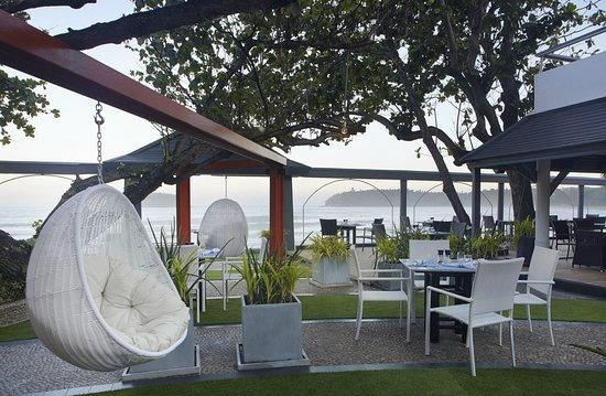 The Boathouse Restaurant: Outdoor sitting