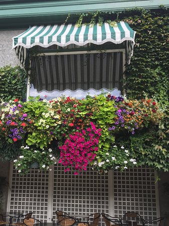 The Butchart Gardens : Awning with flower window boxes...