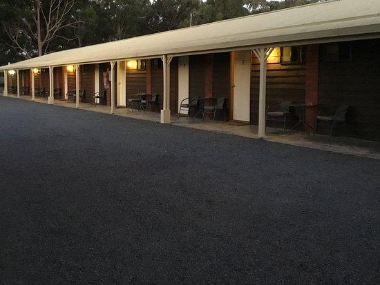 Ky Country Roads Motor Inn