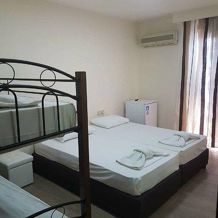 """Hotel Honorata: pokoj o nazwie """"A"""" 4 PIETRO (winda w hotelu)"""