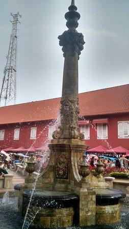 Queen Victoria's Fountain: the fountain
