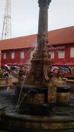 Queen Victoria's Fountain: victoria fountain