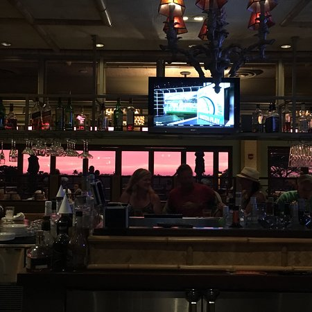 Tommy Bahama Restaurant & Bar: photo0.jpg
