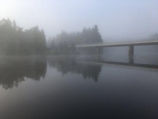 Oulanka National Park Visitor Center: 宿泊施設から朝の霧です